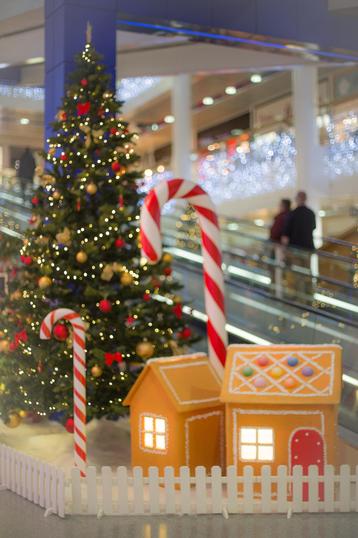 Création-décor-sur-mesure-Noël-centre-commercial-Signy-Centre